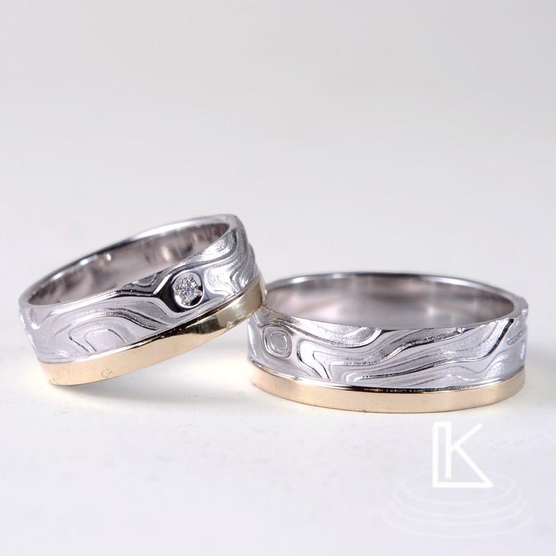 Snubní prsteny s plastickým reliéfem