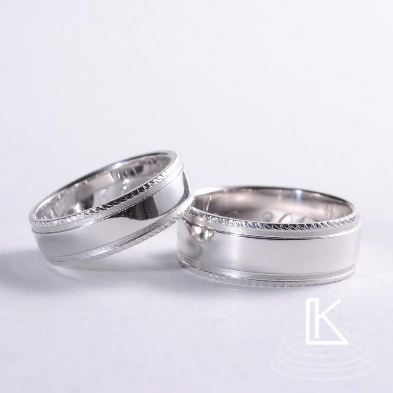 snubní prsteny a s jemně ručně s rytými okraji