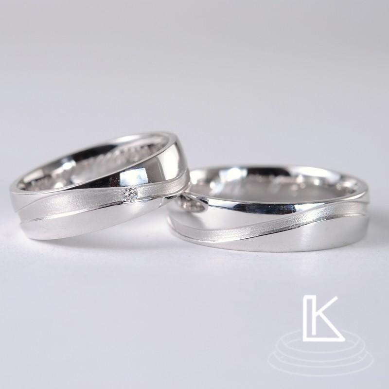 snubní prsteny s rozbíhající se drážkou
