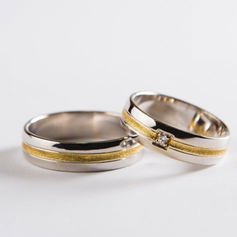 Wedding ring 32