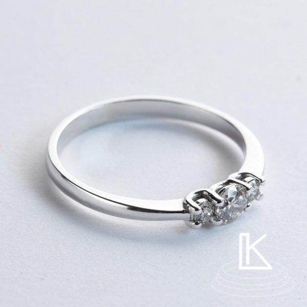 Zásnubní prsten č24