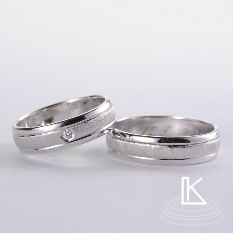Wedding ring 37
