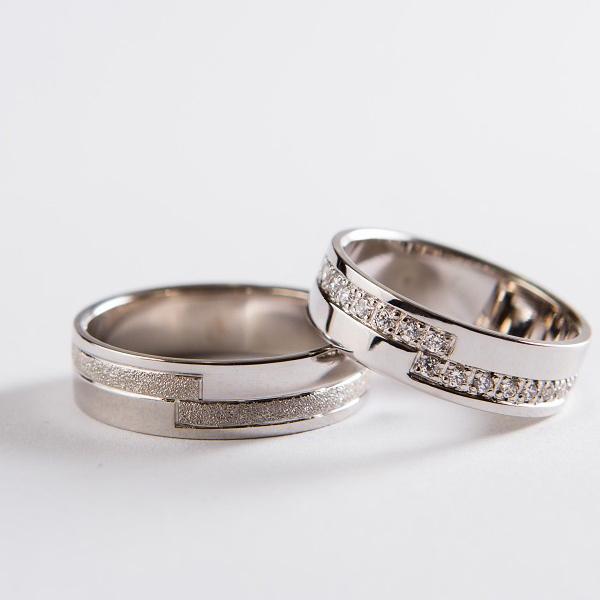 Wedding ring 54